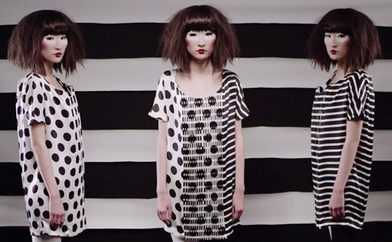 Lenticular Pattern Creates Two Dresses From One